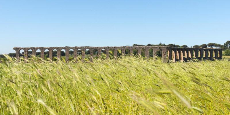 Vista panoramica dell'Acquedotto dei Quintili.
