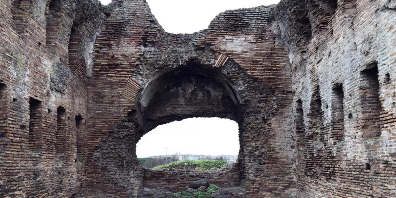 Il cosiddetto Tempio della Villa. Interno.