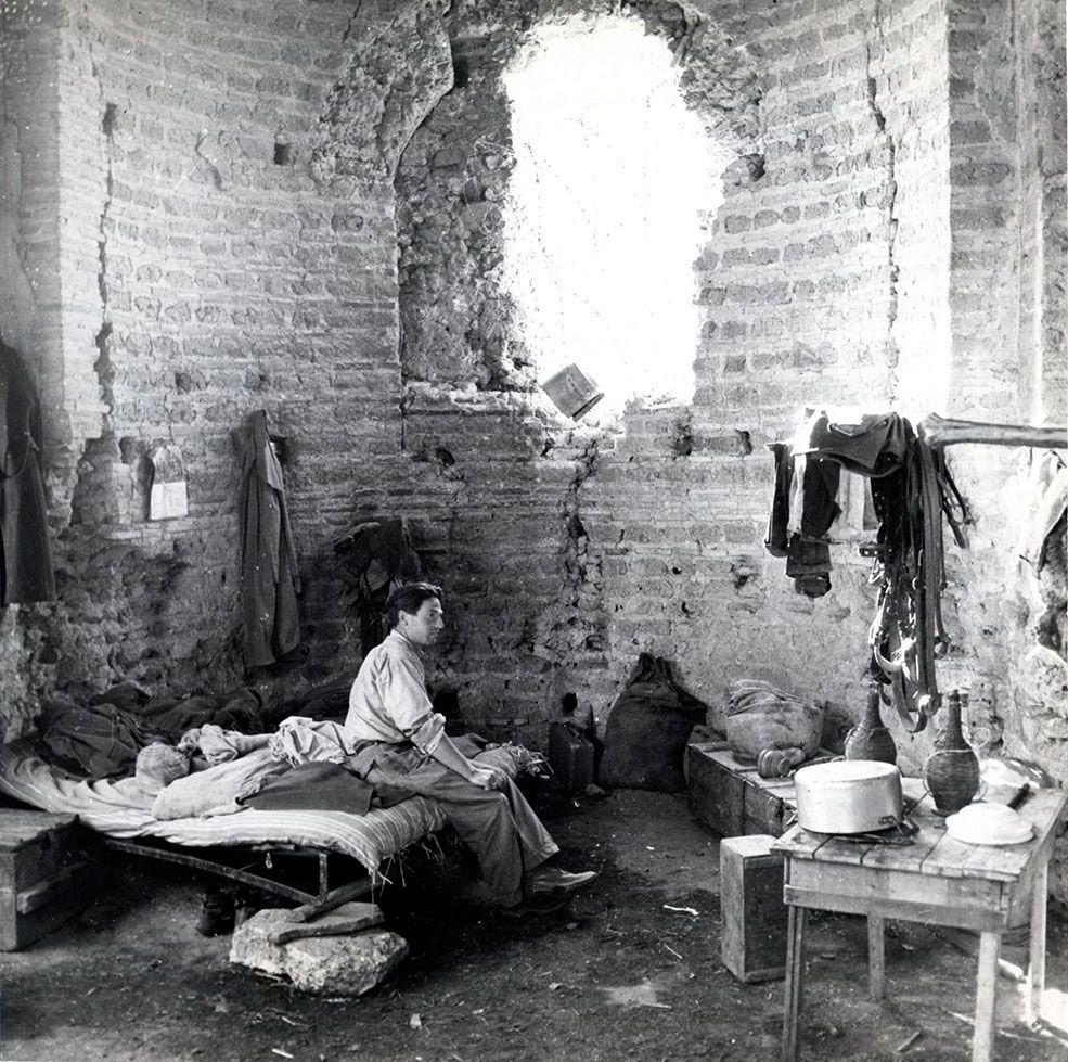 Abitazione di un pastore tra le rovine del Circo di Massenzio