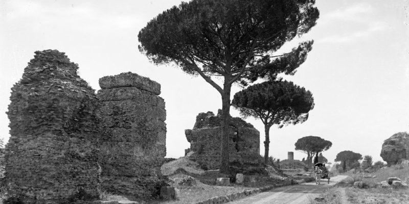 Sepolcri sulla Via Appia Antica