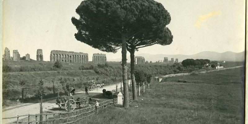 L'acquedotto Claudio visto da Via di Roma Vecchia